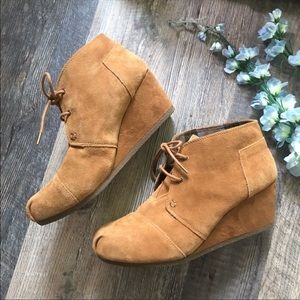 Bobs from Sketchers   Tan Suede Lace Up Wedges
